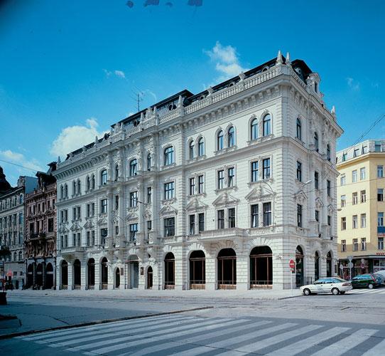 1997 - 1998: Česká Národní Banka / Brno