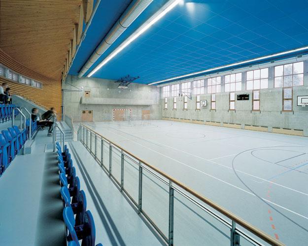 1998 - 2000: Dostavba areálu základní školy / Sázava n.S.