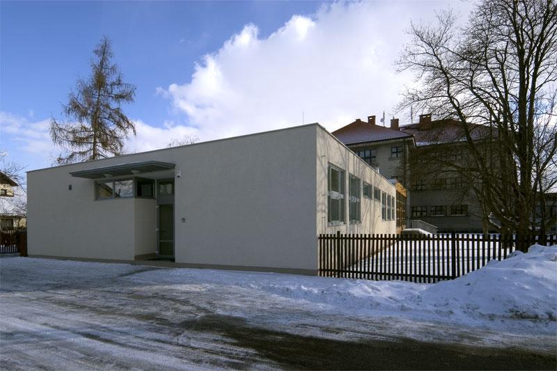 2005: Jídelna s centrální kuchyní - ZŠ Komenského 622, Unhošť